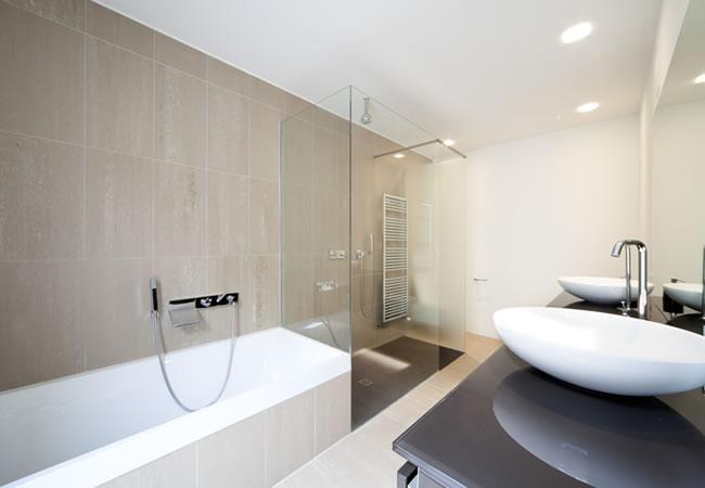 Inloopdouche Met Ligbad : Bad of inloopdouche installeren? vandaagwonen