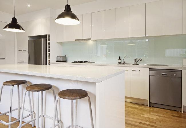 Glas In Keuken : Prijs glazen spatwand keuken vandaagwonen